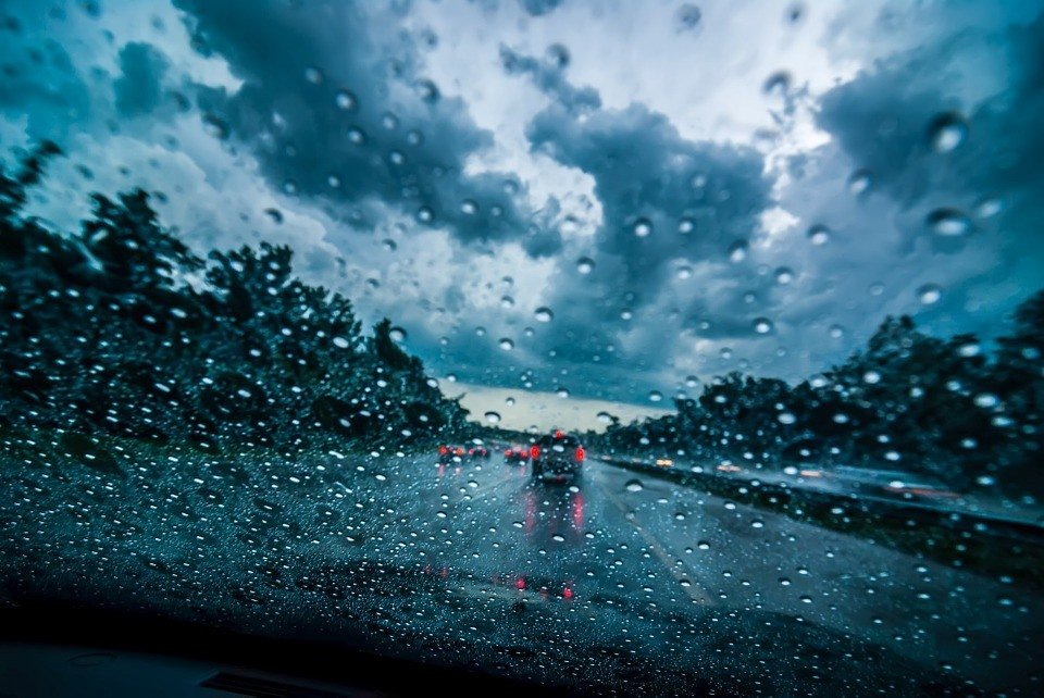 Driving and Hydration – does drinking water make a difference?
