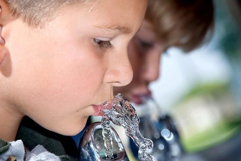 AquAid – Encouraging Access to Drinking Water in Schools